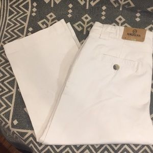 👗 NWT Magellan (8) Bright White Capri Pants